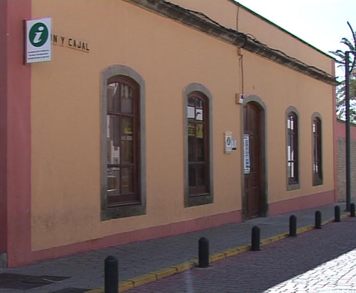 La oficina de informaci n tur stica de ingenio recibi for Oficina de informacion turistica
